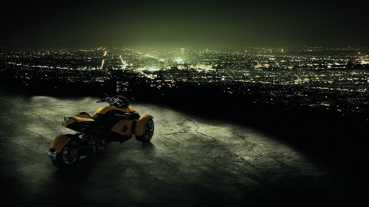 1234736-cityscapes,motorbikes,Can-Am Spyder.jpg