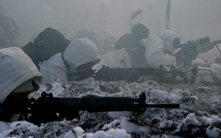 51392-soldiers,snow,army,G3.jpg