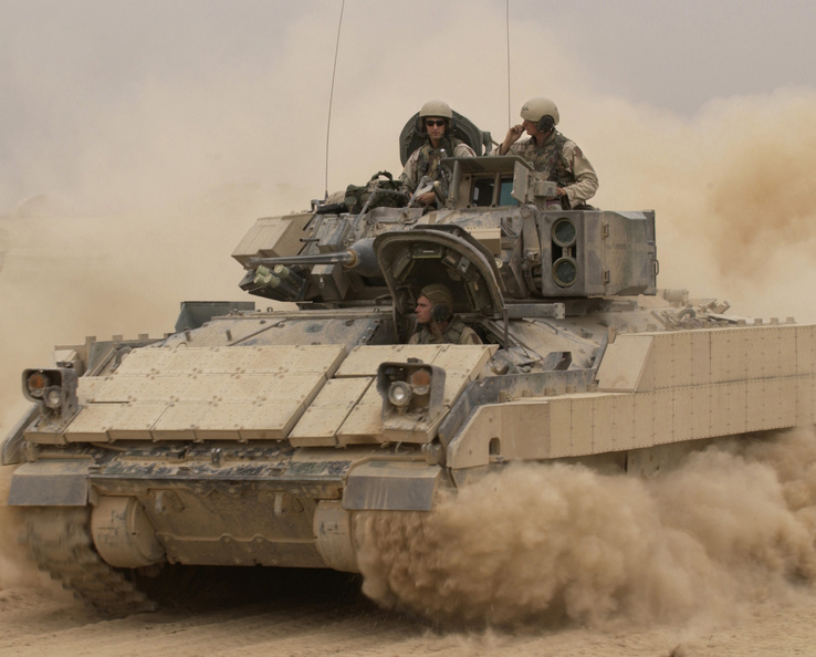 238721-Bradley Fighting Vehicle.jpg