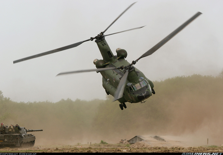 330233-vehicles,CH-47 Chinook,helicopters.jpg