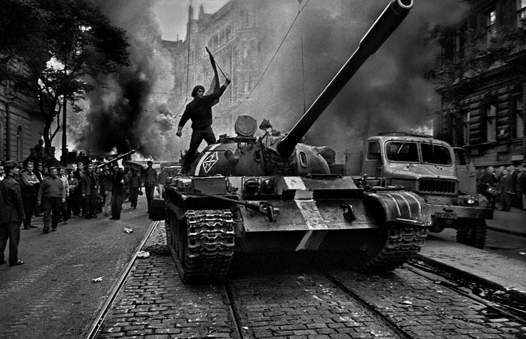 378592-black and white,military,riot,revolution,tanks,protest,T-55.jpg