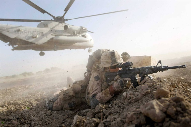 464165-soldiers,guns,helicopters,desert,sniper,weapons,vehicles.jpg
