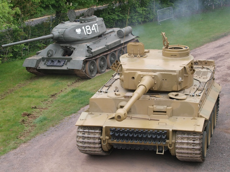 487905-war,military,tanks.jpg