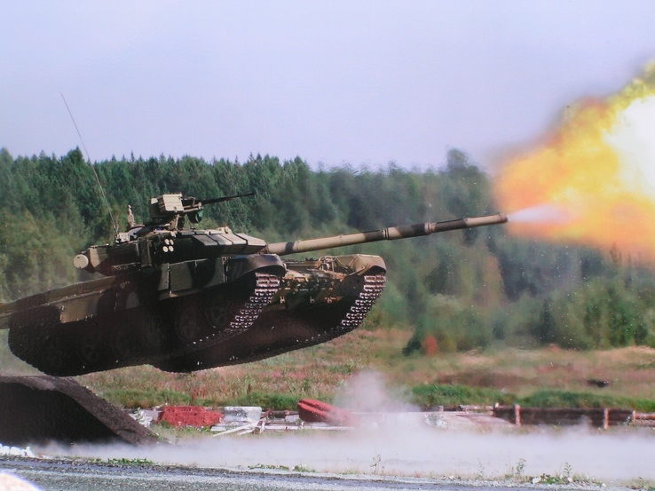 568799-military,tanks,stunt.jpg