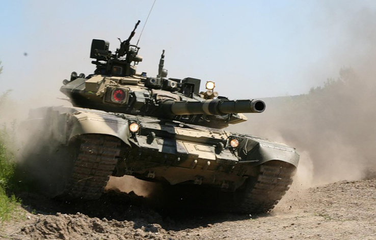 769887-war,military,Russian,tanks,battles,T-90.jpg