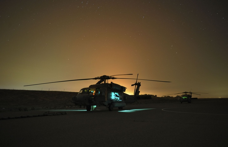 789963-vehicles,UH-60 Black Hawk,sea hawk,black,night,military,helicopters,Sikorsky,hawk,Afghanistan.jpg