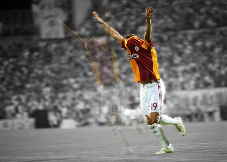 1316196-Galatasaray SK,Harry Kewell,ali sami yen,football stars.jpg