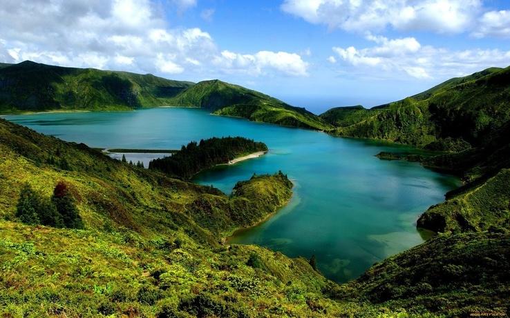 Göl manzarası ve yeşil doğa gölmanzarasıveyeşildoğa